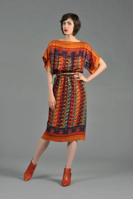 combinar vestido etnico com botas