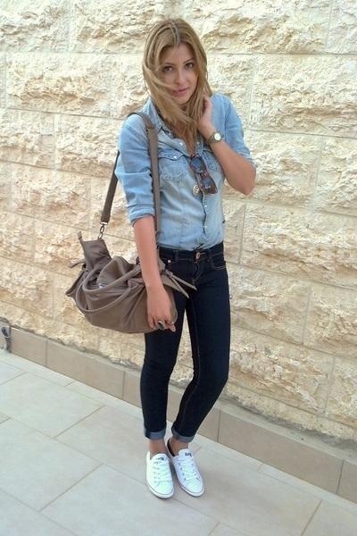 jeans basico com all star branco