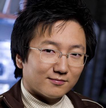 exemplo de óculos de grau para rosto redondo em homens Masi Oka