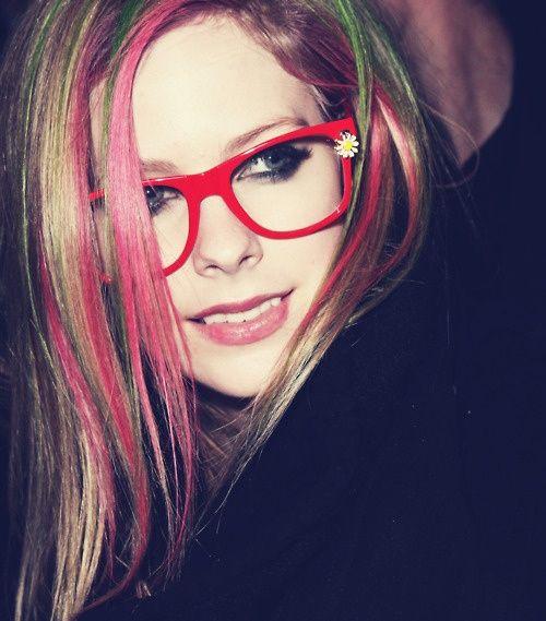 Óculos geek da cantora Avril Lavigne