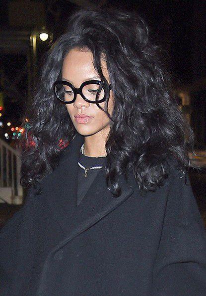 óculos geek da cantora Rihanna