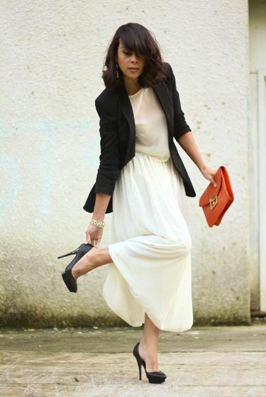Vestido branco para festa com blazer preto
