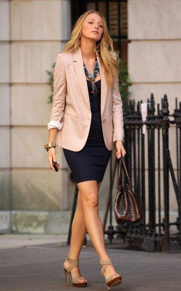 vestido curto com blazer