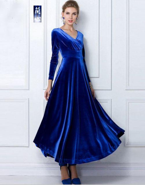 Vestido azul marinho de veludo