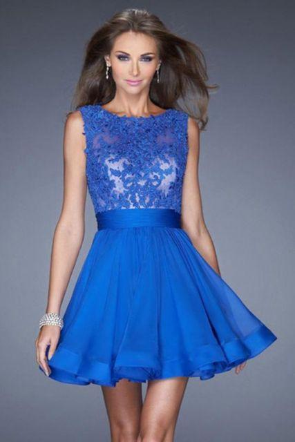 Vestido de formatura azul royal com renda