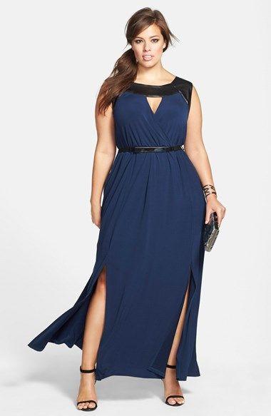 Vestido de formatura azul com detalhes em couro