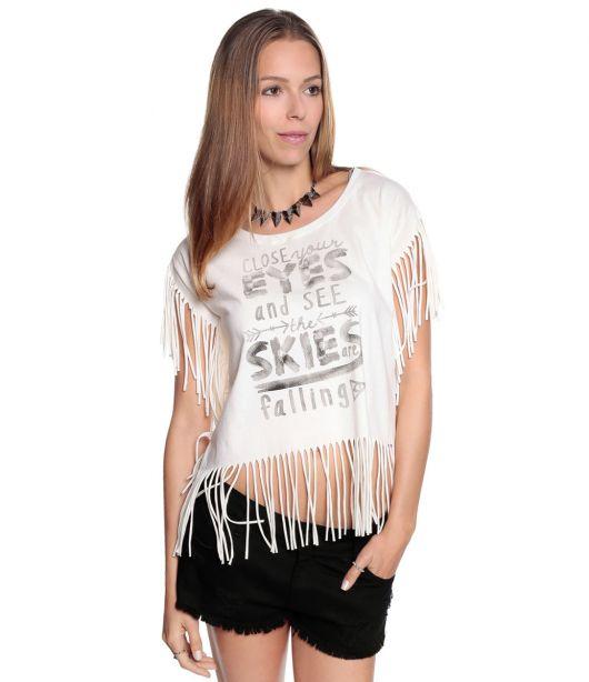 camiseta de franja com short preto