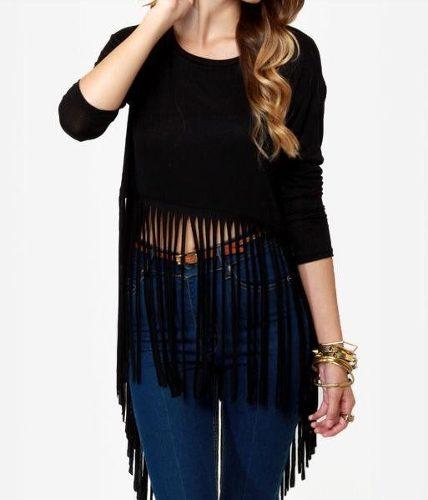blusa de franja com calça jeans