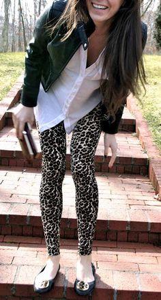 calça de onça legging com sapatilha