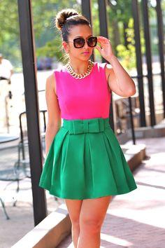 color block de cores complementares rosa e verde