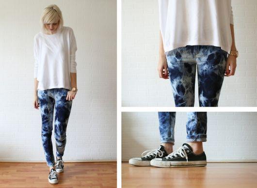 como customizar calça jeans exemplo tie dye