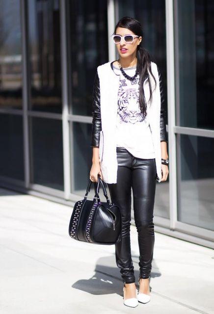 calça de couro no look preto e branco