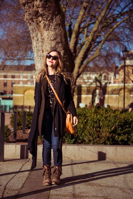 ideias para vestir calça jeans e coturno marrom