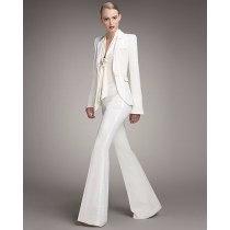 calça pantalona de linho branca com casaco branco