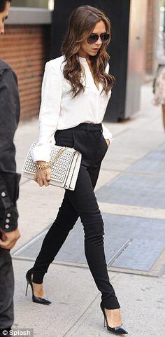 calça social preta e blusa branca feminina