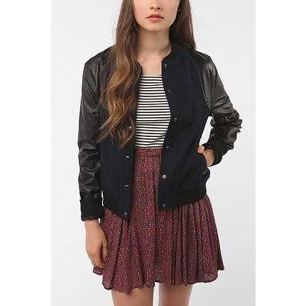 look basico com estilo e jaqueta
