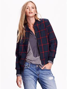 jaqueta bomber xadrez e calça jeans