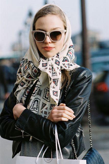 exemplo de como usar lenço na cabeça anos 60