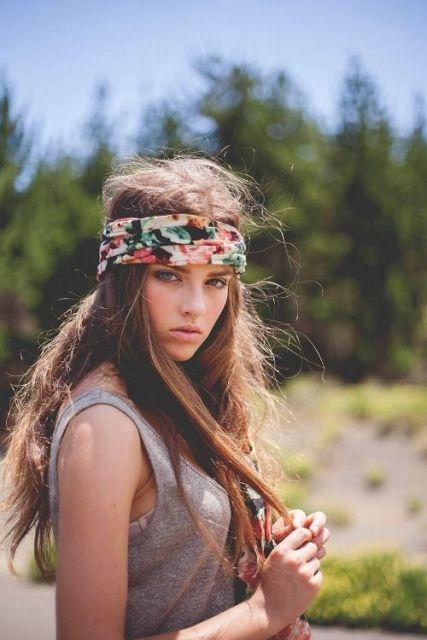 exemplo de como usar lenço na cabeça hippie