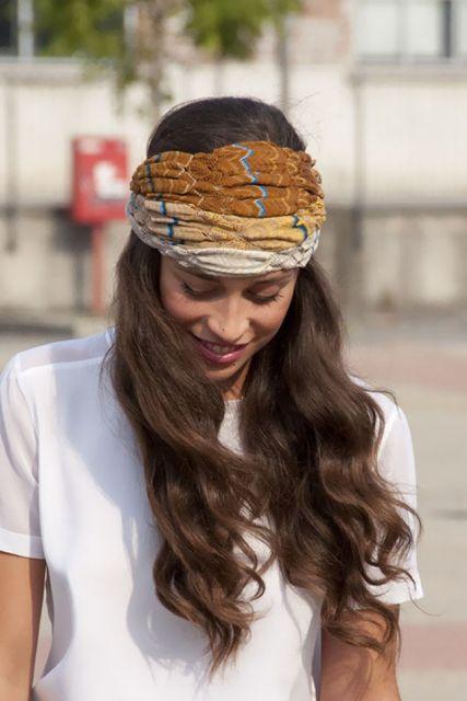 exemplo de como usar lenço na cabeça