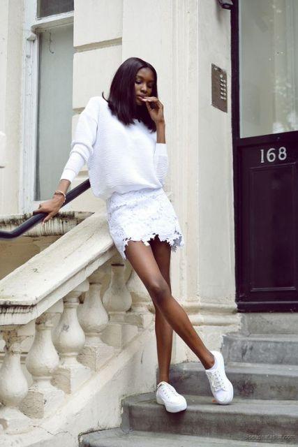 blusa com saia de renda em look branco