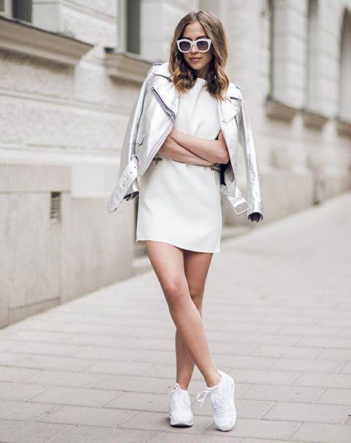 vestido curto em look branco