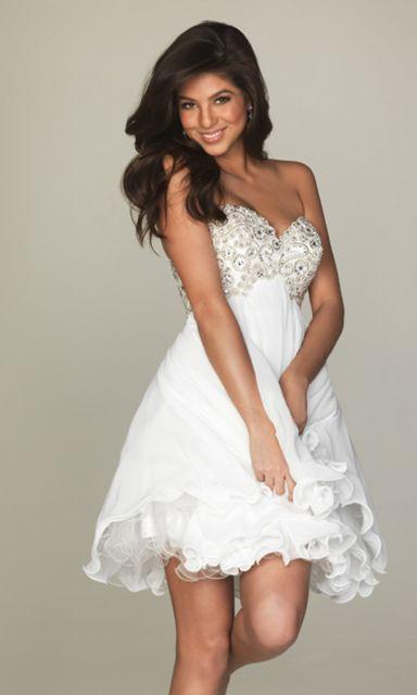 look branco com vestido de festa