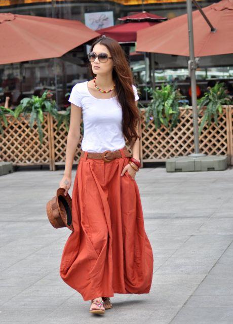 look casual com saia longa e camiseta