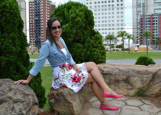 saia floral com sapatilha pink