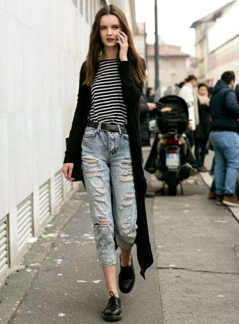 look despojado com jeans rasgado