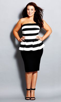 look festa preto e branco plus size