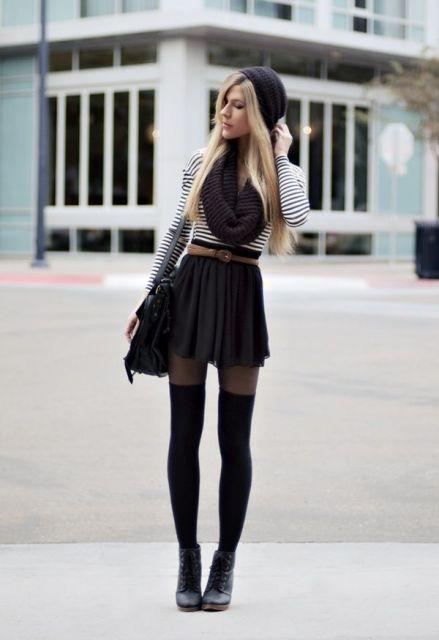 mini saia com coturno em look inverno