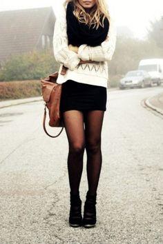 look inverno com mini saia preta