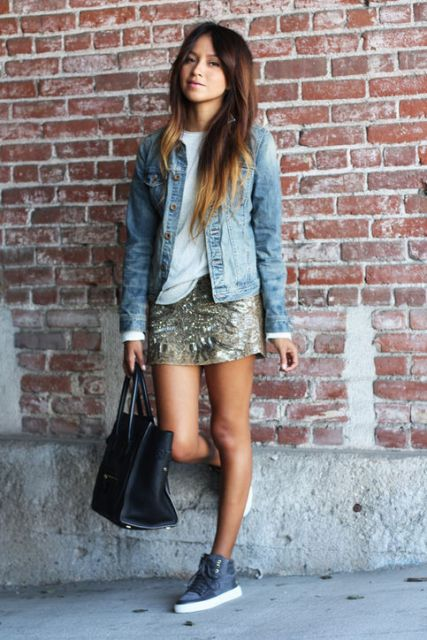 jaqueta jeans com saia de paete