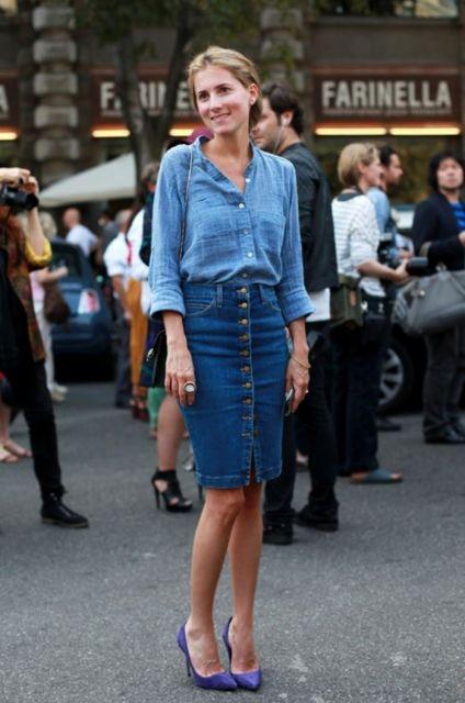 saia jeans fenda frontal com blusa jeans