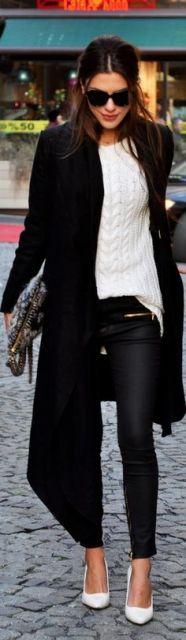blusa croche preta com sobretudo preto