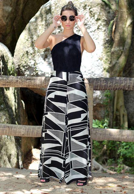 Pantalona animal com blusa preta