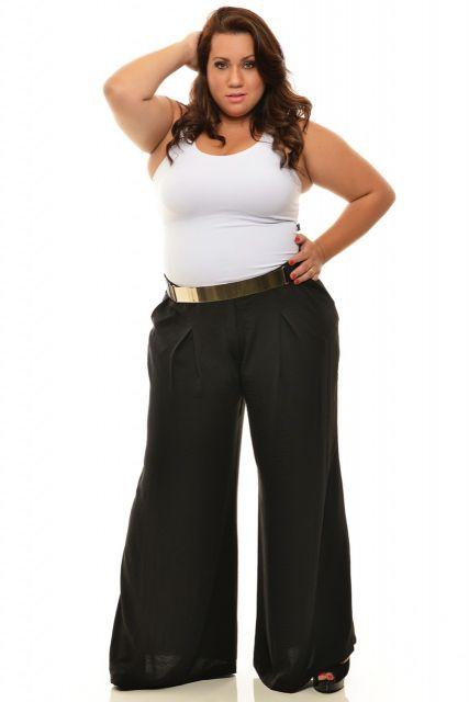 Gordinha de pantalona preta