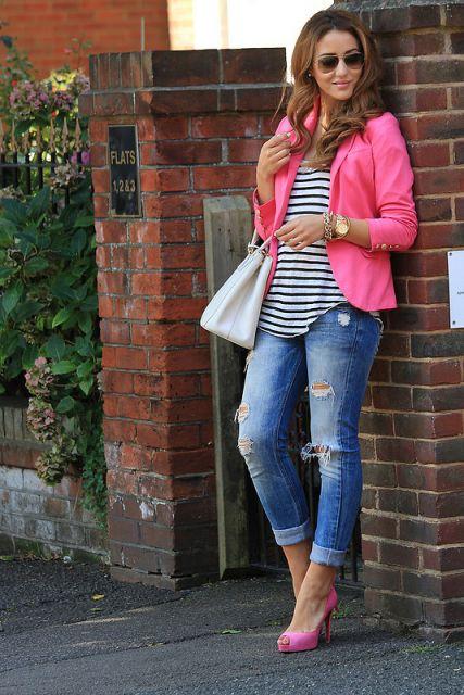 jeans com sapato rosa para o dia