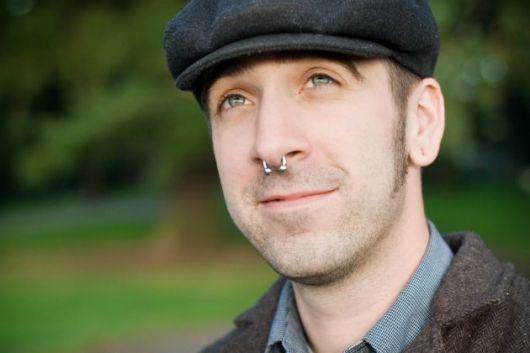 piercing masculino no nariz