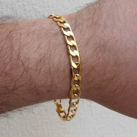 pulseira masculina com caimento dourada