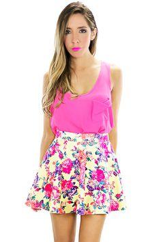 saia skater floral com blusa rosa