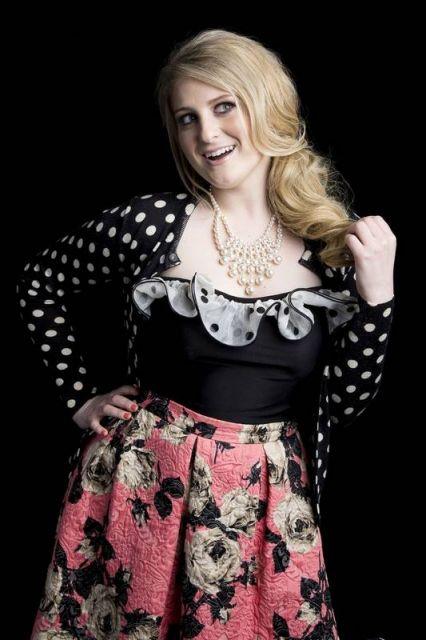 Meghan Taylor fashion de saia