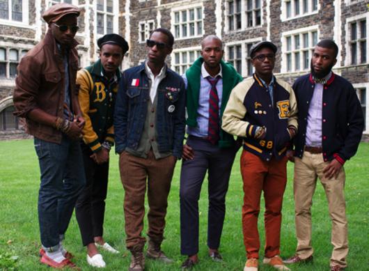 sapatos sociais e jaqueta varsity masculina