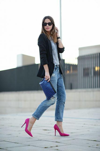 ideias para combinar jeans e scarpin rosa