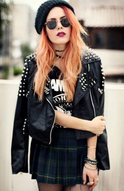 tattoo choker cabelo ruivo jaqueta preta