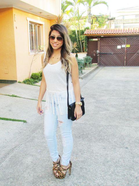ideias para vestir blusa com franja e jeans
