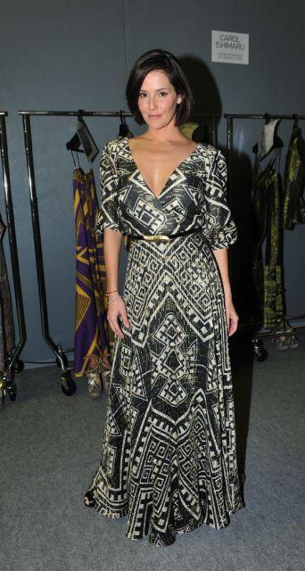 vestido longo para baixinha da Deborah Secco