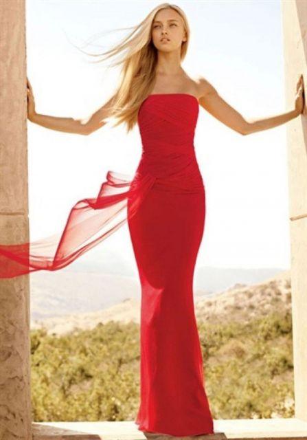 vestido de formatura vermelho justo