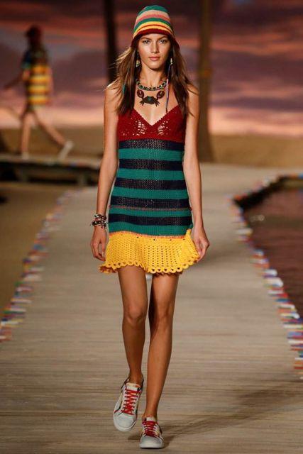 Vestido de tricô fashion colorido